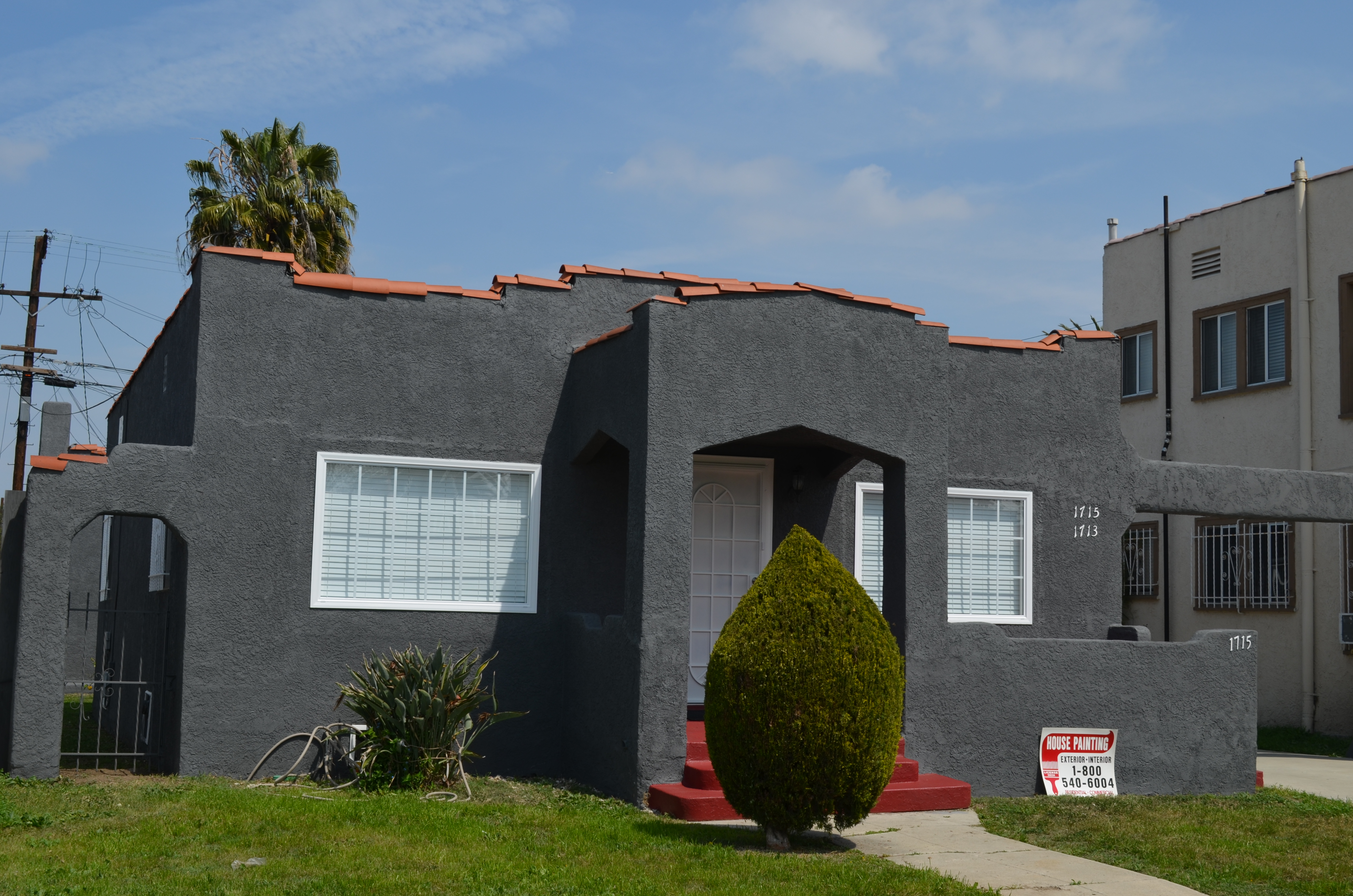 Los Angeles Painting Contractor, House Painting Inc., successfully completed an exterior residential painting job in Los Angeles 90002.