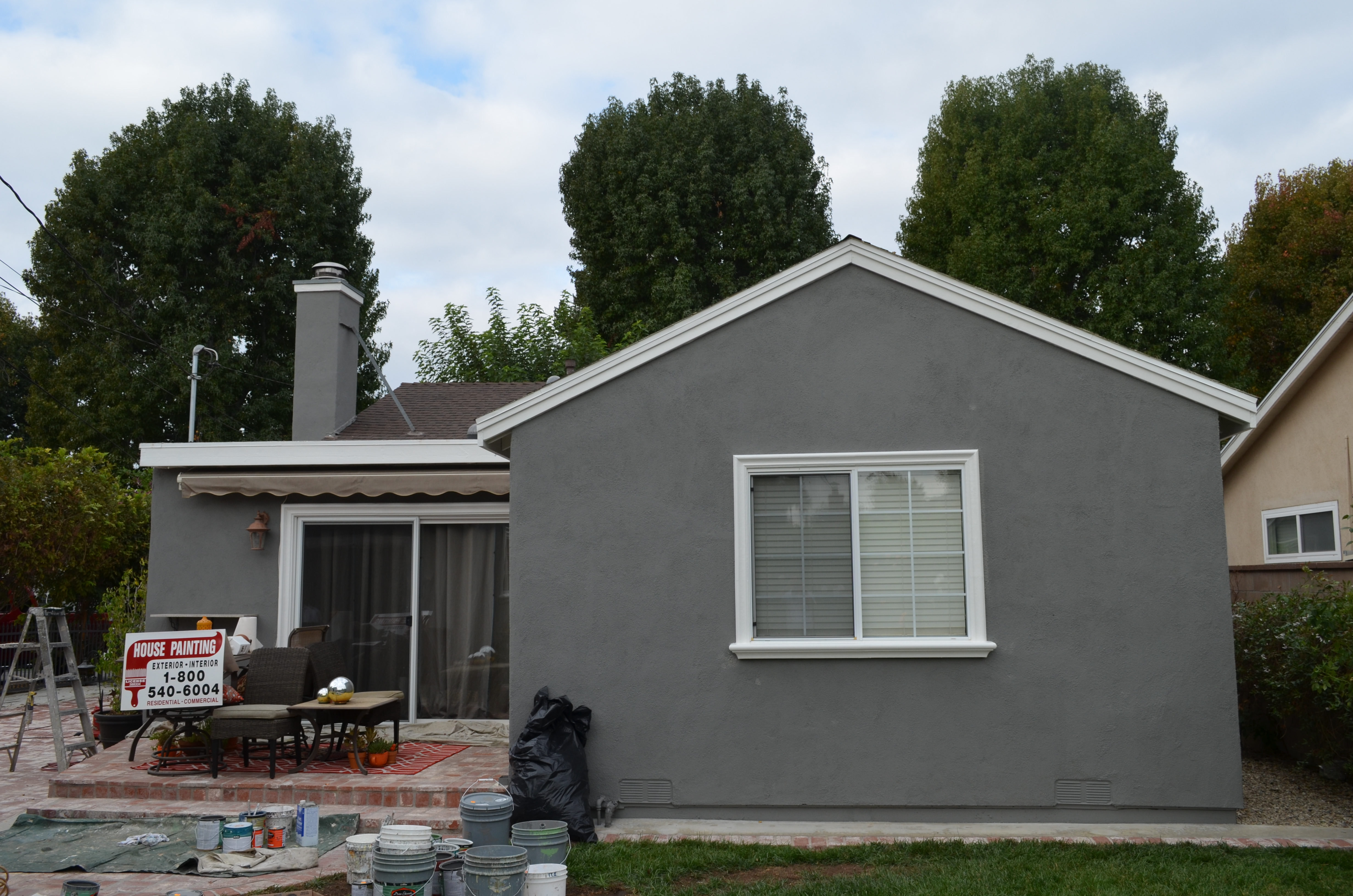 Los Angeles Painting Contractor, House Painting Inc., successfully completed an exterior residential painting job in Los Angeles 90005.