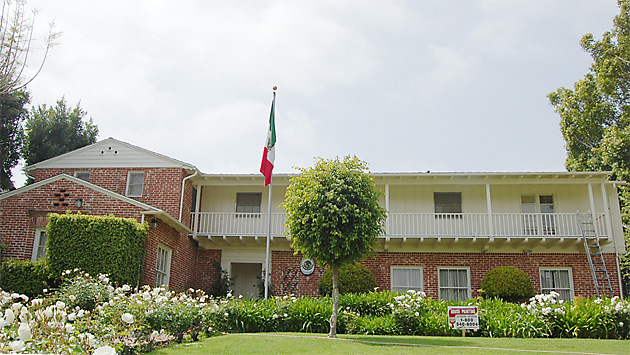 Painted Exterior Mexican Consulate in Los Angeles